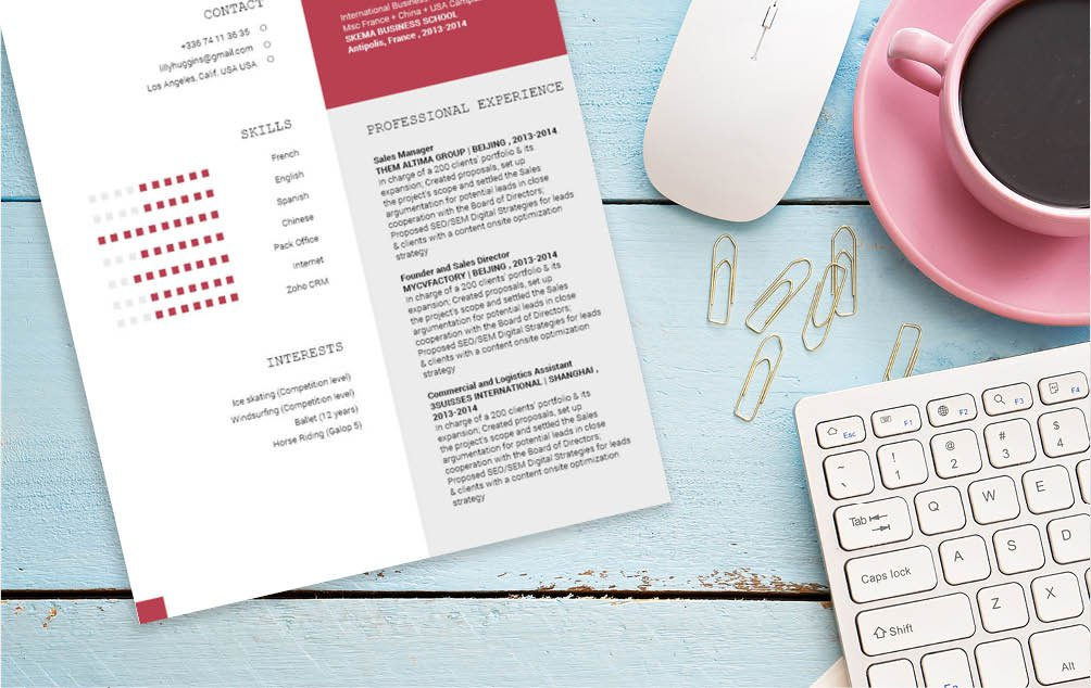 This Modern CV template will help you get hired thanks to its format focused on your experience.