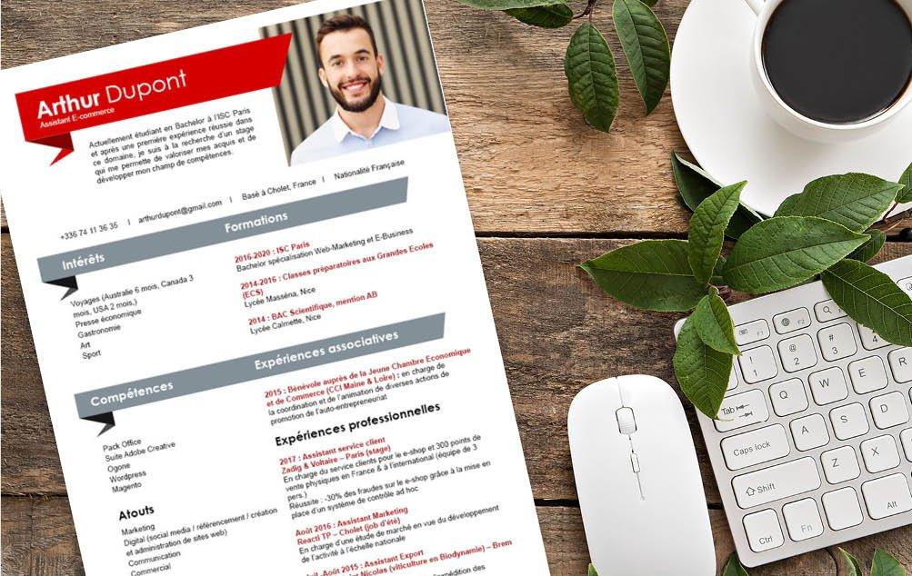 Un CV qui offre un bon visuel, accueillant tout en étant épuré. Un exemple d'équilibre.