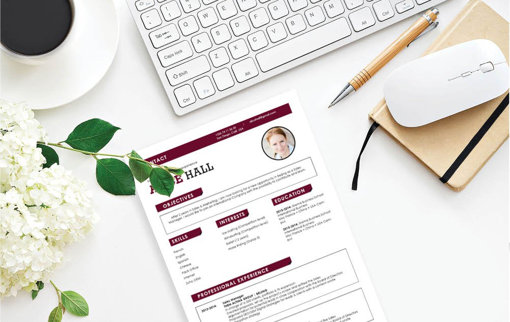 The color scheme and desings lend greatly to the Simple resume template's effectivity