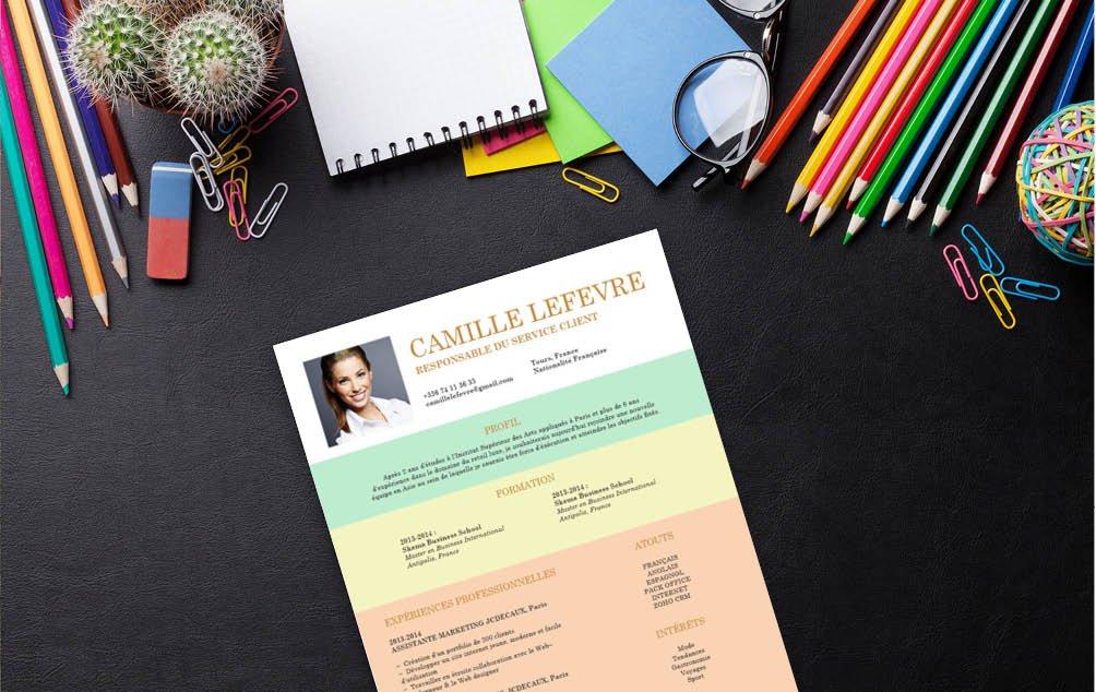 Utilisation de beaucoup de couleurs. Le CV présente différentes couches colorées.