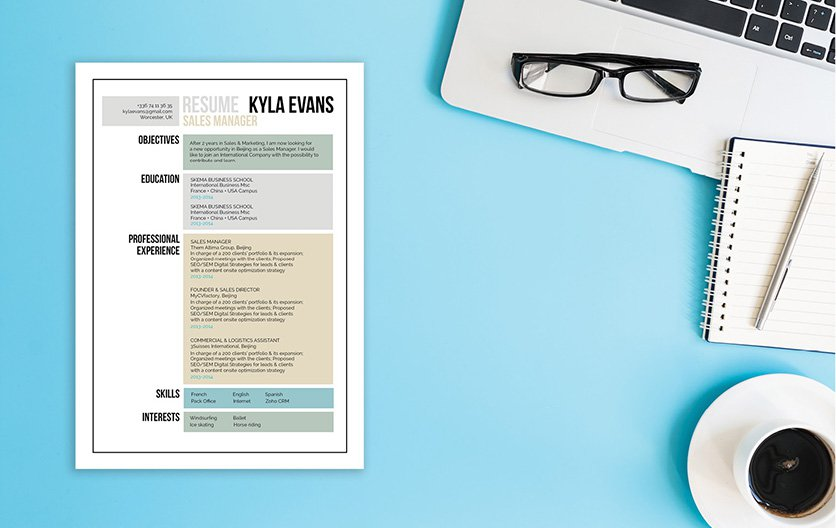 A simple resume with a creative design thanks to the shapes used!