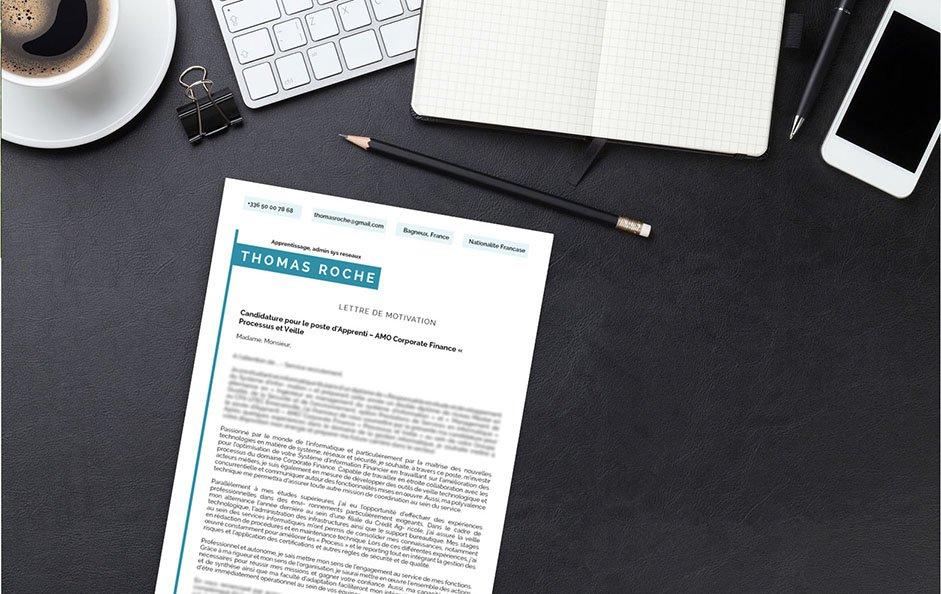 Une lettre de motivation design élaborée pour le secteur du marketing et de la communication.