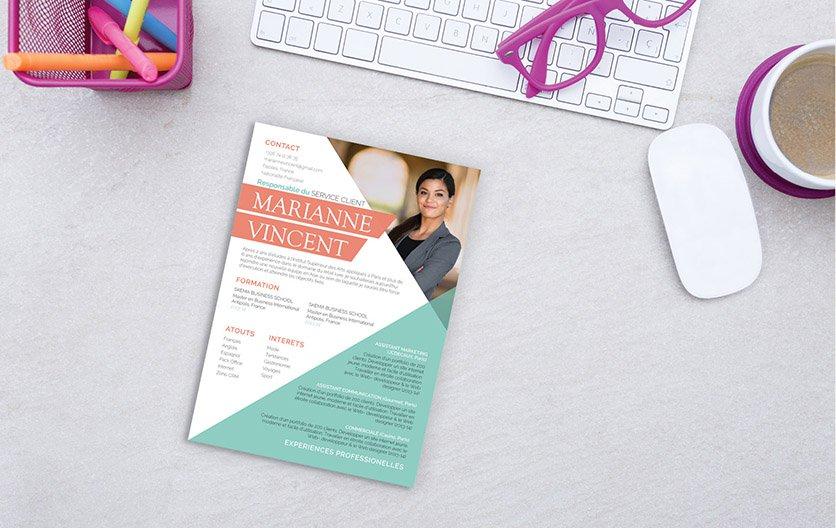 Un CV original aux couleurs vivaces, agréable à regarder et tapant d'emblée dans l'œil du recruteur.
