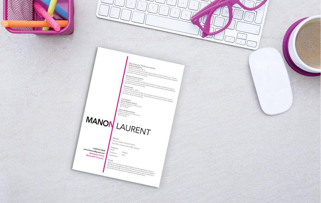 Un CV où les informations sont réparties dans deux colonnes bien distinctes et séparées par une ligne verticale en rose.