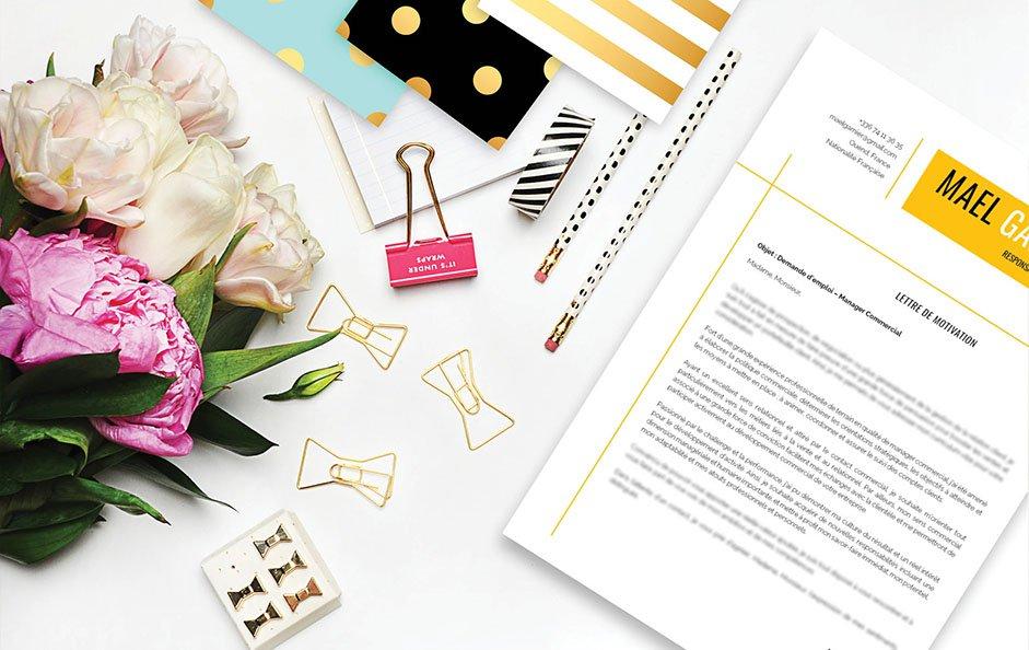 Une bonne lettre de motivation avec du jaune en pagaille pour mettre en avant connaissance et chaleur.