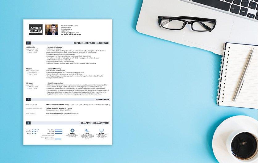 Un CV design rehaussant de détails et motifs graphiques en gris et bleu pour sortir du lot.