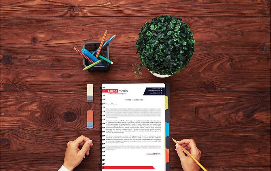 Une lettre de motivation design et élégante, reflétant le caractère ordonné du candidat.